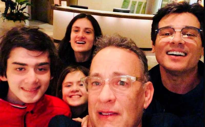 40ab47241 Celso Portiolli tieta Tom Hanks em Los Angeles  Foi demais! Veja ...