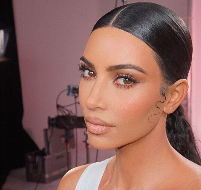 cec10a637 Kim Kardashian surpreende ao mostrar sua doença de pele autoimune ...