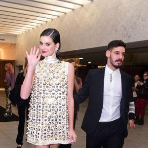 bcb46831066f Estrelando - No palco de premiação, Fernanda Paes Leme dá beijão em João  Vicente de Castro, veja o que mais rolou no <i>Geração Glamour 2019</i>!