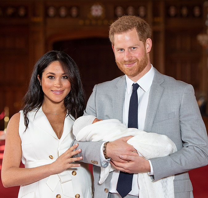 no dia das maes meghan markle compartilha foto de filho e homenageia princesa diana confira estrelando estrelando
