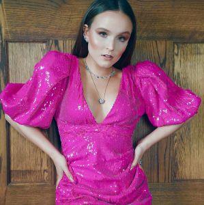 1419c61920f37a Estrelando - Ela cresceu! Veja a evolução do estilo de Larissa Manoela!