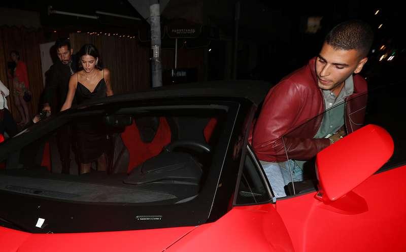 Resultado de imagem para Bruna Marquezine é flagrada no carro do ex de Kourtney Kardashian